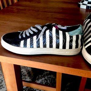 P448 sneakers black -white- pink.Amazing